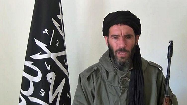 Capture d'écran d'une vidéo de Mokhtar Belmokhtar non datée obtenue par l'Agence Nouakchott d'information, agence mauritanienne. (AFP PHOTO / HO / ANI)