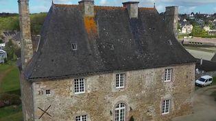 Bretagne : des retraités rénovent un ancien couvent du XVIIe siècle (France 2)