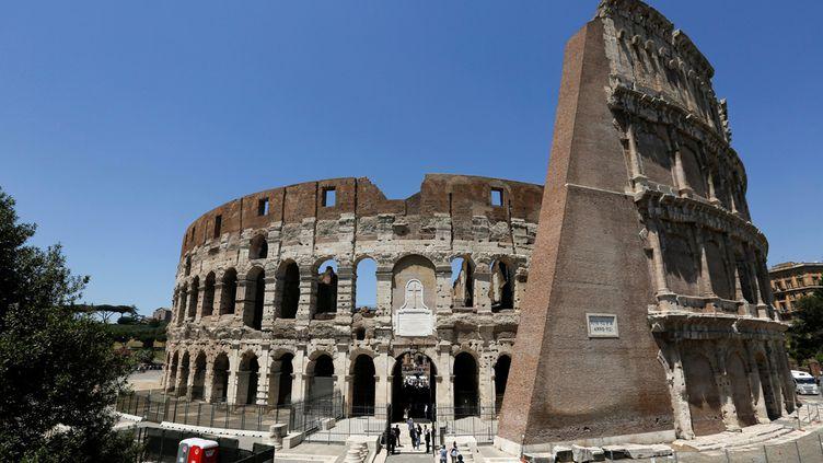 (Suite à la restauration, le Colisée a retrouvé sa teinte blanche d'origine © Reuters)