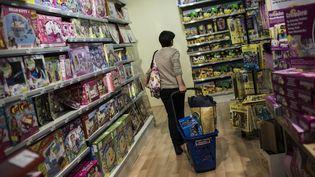 Entre les cadeaux retardés, les échanges et les reventes, l'économie de Noël ne s'arrête pas le 25 décembre. (MAXPPP)