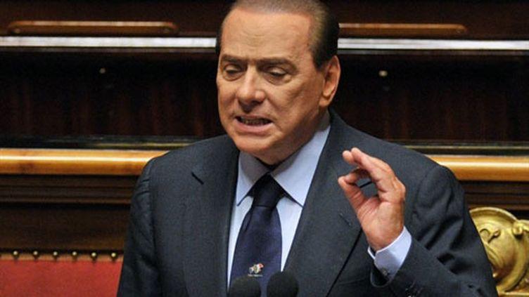 Silvio Berlusconi devant les sénateurs italiens, le 13 décembre 2010 (AFP / Alberto Pizzoli)