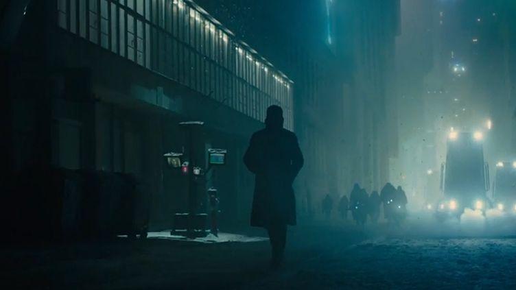 "Une des premières images de ""Blade Runner 2049"".  (Warner Bros)"