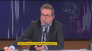 """Martin Hirsch, directeur général de l'Assistance publique - Hôpitaux de Paris, était l'invité du """"8h30 franceinfo"""" mercredi 20 janvier 2021. (FRANCEINFO / RADIOFRANCE)"""