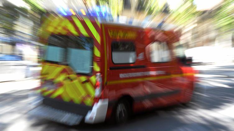 Une femme de 36 ans a survécu, le 31 juillet 2019, à une chute du 9e étage de l'immeuble où elle résideà Grenoble (Isère). (Photo d'illustration) (VINCENT PEREIRA / MAXPPP)