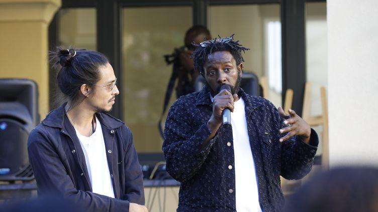 Kim Chapiron et Ladj Ly à Marseille le 20 juin 2020, pour l'ouverture de l'école Kourtrajmé (DAVID ROSSI / MAXPPP)