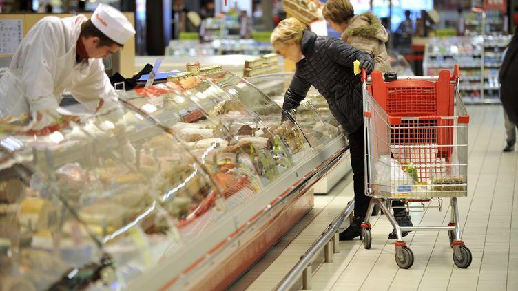 Cette stagnation s'explique en partie par le fléchissement de la consommation des ménages (+0,1% contre +0,9%). (ALAIN LE BOT / PHOTONONSTOP / AFP)