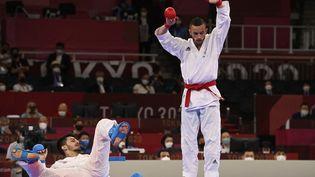 Steven Da Costa s'est imposé en finale face au Turc Eray Samdan. (ALEXANDER NEMENOV / AFP)