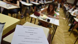 Des élèves passent l'épreuve de philisophie à Strasbourg, le 15 juin 2017. (FREDERICK FLORIN / AFP)