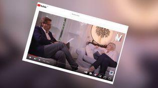 """Marine Le Pen, candidate à l'élection présidentielle, sur sa chaîne Youtube """"M l'entretien"""". (CAPTURE ECRAN YOUTUBE)"""