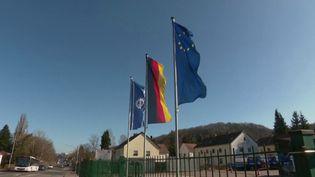 Covid-19 : l'Allemagne renforce les contrôles à la frontière avec la Moselle (FRANCE 2)