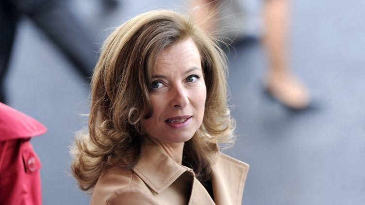Valérie Trierweiler lors du défilé du 14-Juillet 2012, sur les Champs-Elysées à Paris. (BERTRAND GUAY / AFP)