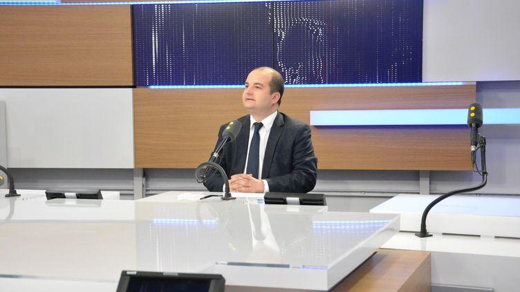 Le FN avait laissé entendre que les journalistes duMonde payaient leurs informations pour avoir accès aux procès-verbaux dans les affaires notamment. (RADIO FRANCE / JEAN-CHRISTOPHE BOURDILLAT)