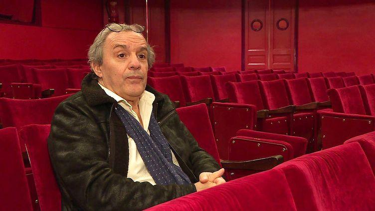 Amédée Zapparata, le directeur technique du théâtre Jean Vilar de Saint-Quentin dans l'Aisne a choisi de rester confiné sur son lieu de travail (France 3 Hauts de France)