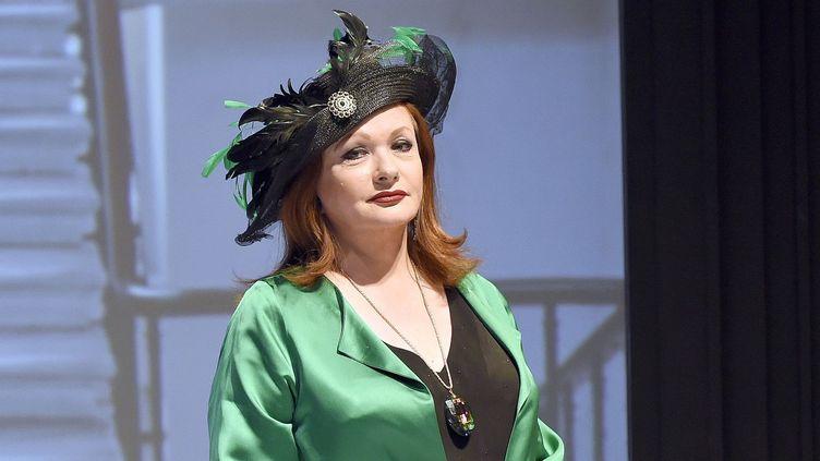 """Catherine Jacob sur la scène du théâtre Montparnasse pour """"Un fil à la patte""""  (DELALANDE RAYMOND/SIPA/1805221908)"""