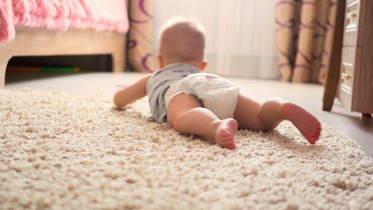 Le seuil sanitaire de certaines substances est dépassé dans des couches pour bébé, selon un avis rendu par l'Anses.
