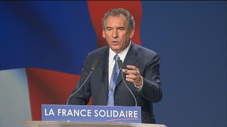 François Bayrou en meeting à Marseille, le 15 avril 2012 (FTV)