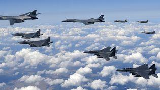 Des avions américains et sud-coréens, lors d'un exercice militaire conjoint, le 18 septembre 2017. (SOUTH KOREAN DEFENCE MINISTRY / AFP)