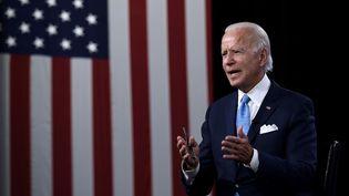 Le candidat démocrate à la présidentielle américaine, Joe Biden, lors d'une conférence de presse à Wilmington (Delaware), le 12 août 2020. (OLIVIER DOULIERY / AFP)