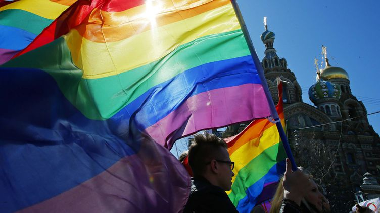 Manifestation pour les droits des homosexuels à Saint-Pétersbourg le 5 mai 2013  (Dmitry Lovetsky / AP / Sipa)