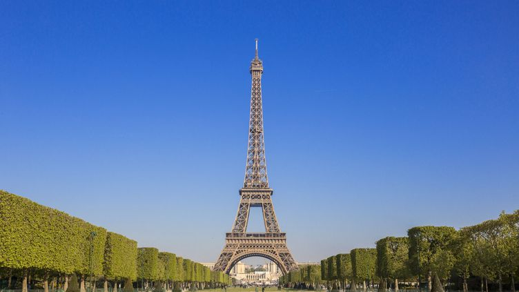 "Le Champ-de-Mars accueillera la ""fan-zone"" de Paris (GARDEL BERTRAND / HEMIS.FR)"