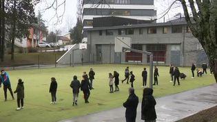 Covid-19 : le gouvernement dit non à la pratique du sport en intérieur (France 3)