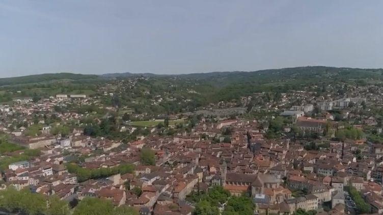 Dans le Lot, la commune rurale de Figeac a réussi à séduire de nouveaux habitants grâce à un bassin d'emplois important. (FRANCE 2)