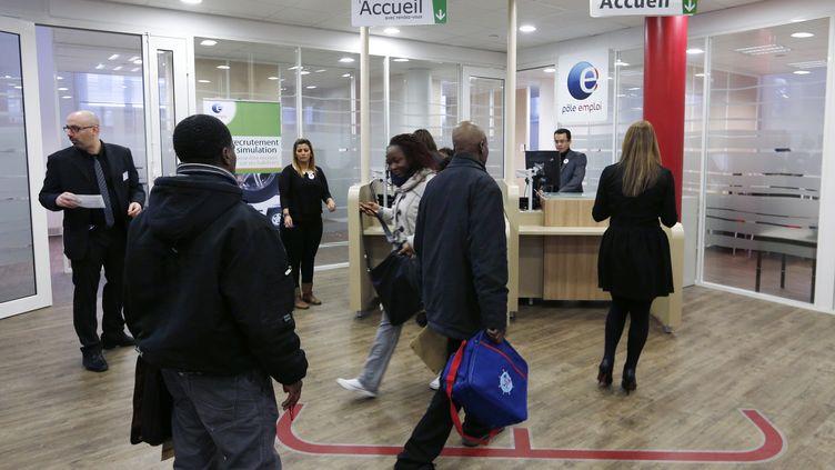 Une agence a ouvert ses portes à Clichy-sous-Bois (Seine-Saint-Denis), le 17 février 2014. (FRANCOIS GUILLOT / AFP)