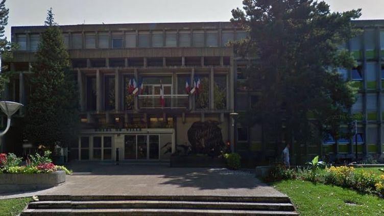 La mairie de Fontaine (Isère), photographiée en juillet 2015. (GOOGLE STREET VIEW)