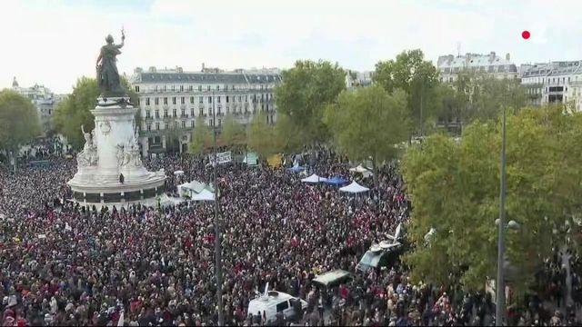 Hommage à Samuel Paty : marée humaine Place de la République à Paris