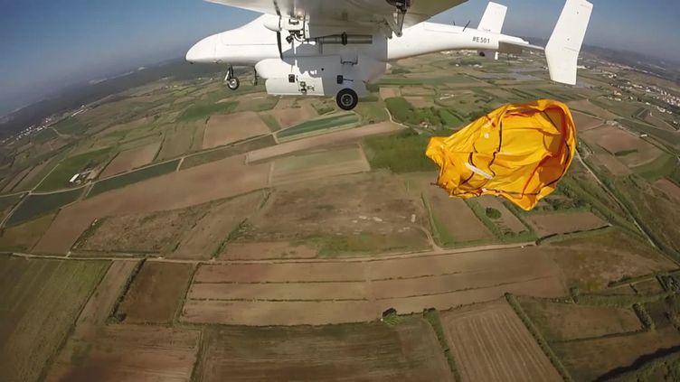 Le drone de CLS peut larguer en mer un radeau de survie. (CAPTURE D'ÉCRAN FRANCE 3)