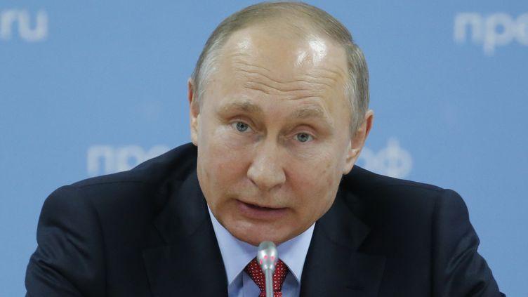 Vladimir Poutine ne digère pas vraiment l'exclusion des athlètes russes pour les JO de PyeongChang... (SERGEI KARPUKHIN / POOL)