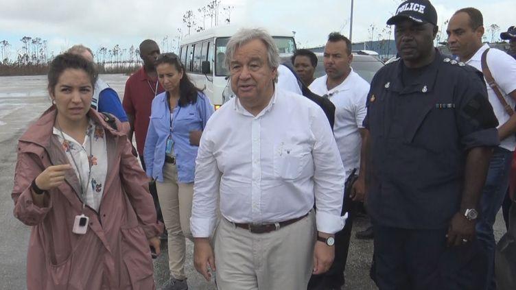 Le Secrétaire général de l'ONU en visite sur l'île d'Abaco aux Bahamas, le vendredi 14 septembre. (GILLES GALLINARO / RADIO FRANCE)