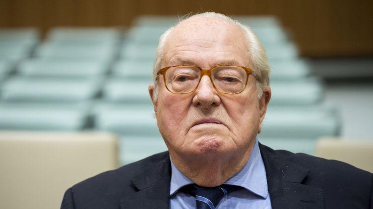 Jean-Marie Le Pen, le 23 novembre 2017, à Luxembourg, lors d'une audience de la cour de justice européenne. (JOHN THYS / AFP)