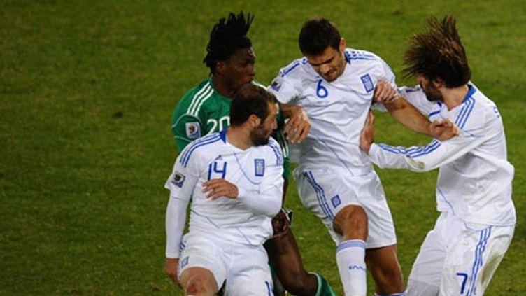 Les Grecs prennent le Nigéria en tenaille