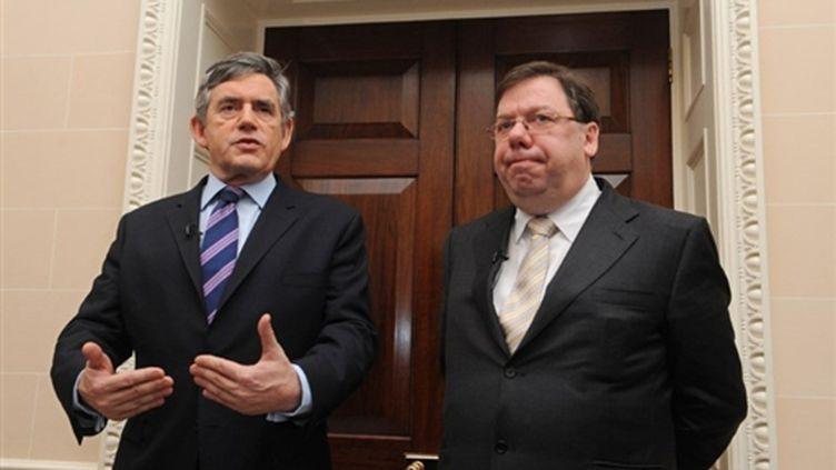 Gordon Brown et Brian Cowen lors d'une conférence de presse à Hillsborough (Irlande du Nord), le 27 janvier 2010. (AFP - Charles McQuillan)