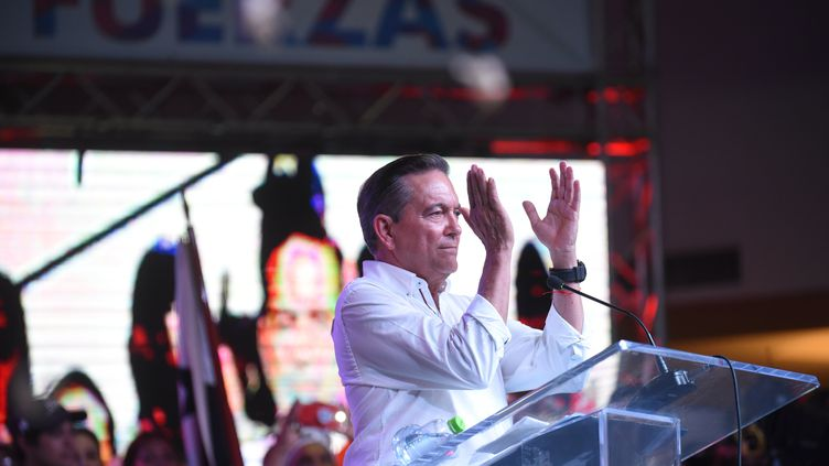 Le candidat social-démocrate Laurentino Cortizo, après sa victoire à l'élection présidentielle du Panama, le 5 mai 2019 à Panama City (Panama). (JOHAN ORDONEZ / AFP)