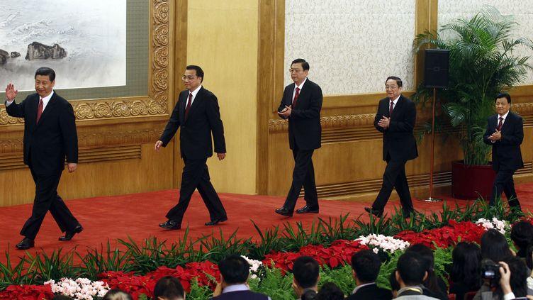 Les nouveaux dirigeants du Parti communiste chinois se présentent devant la presse, le 15 novembre 2012 à Pékin (Chine). (CARLOS BARRIA / REUTERS)