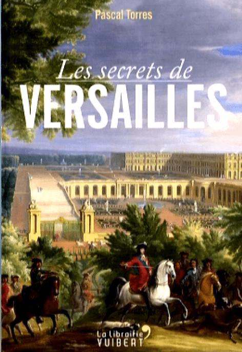 """Les secrets de Versailles"" par Pascal Torres à la librairie Vuibert  (France 2 / Culturebox capture d'écran)"