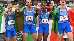 Le relais italien, champion olympique du 4 x 100 mètres des Jeux de Tokyo. (ANDREJ ISAKOVIC / AFP)