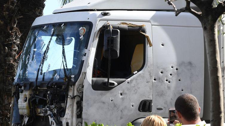 Le chauffeur, Mohamed Laouej-Bouhlel, a tué 85 personnes le 14 juillet 2016, au volant d'un camion frigorifique de 19 tonnes. (BORIS HORVAT / AFP)