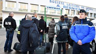 Des perquisitions au siège de Lactalis à Laval (Mayenne), le 17 janvier 2018. (JEAN-FRANCOIS MONIER / AFP)