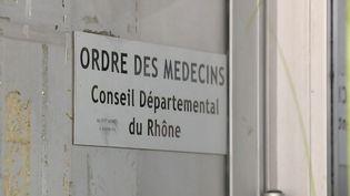Médecins (Capture d'écran Franceinfo)