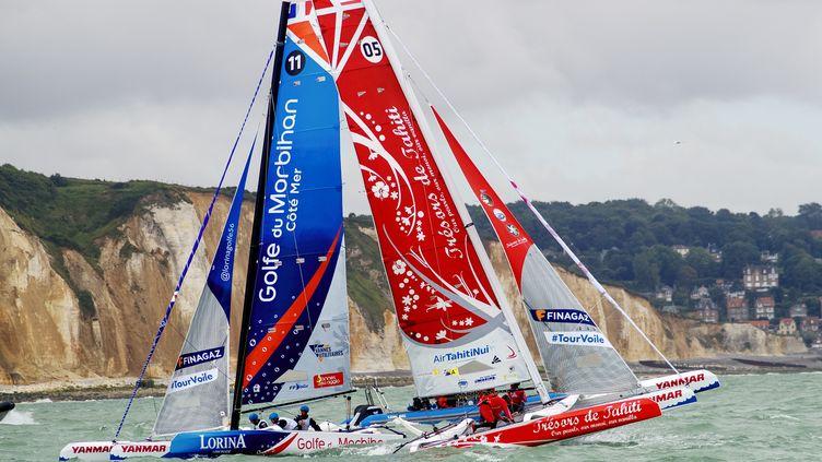 L'équipage de Team Lorina Limonade-Golfe à la manoeuvre (CITIZENSIDE/ANN-DEE LAMOUR / CITIZENSIDE)