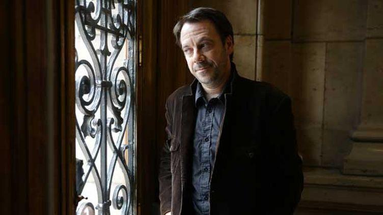 (Michel Bussi est non seulement auteur de romans policiers, mais aussi politologue et professeur de géographie. © Frédéric Dugit/PHOTOPQR/LE PARISIEN)
