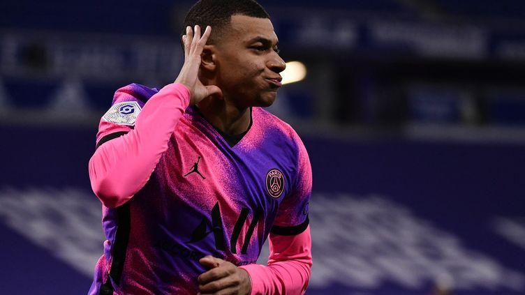 Kylian Mbappé face à Lyon, le 21 mars 2021.  (JEFF PACHOUD / AFP)
