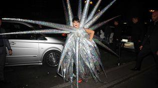 Lady Gaga arrive à la discothèque VIP Room, après son concert à Paris, le 24 novembre 2014. (CAU ANTOINE/SIPA)