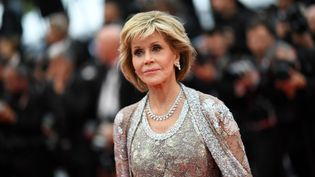 L'actrice américaine Jane Fonda sur le tapis rouge du Festival de Cannes, le 14 mai 2018. (LOIC VENANCE / AFP)