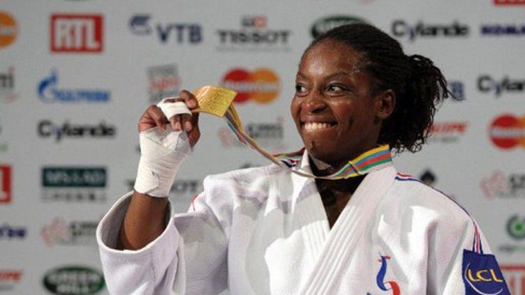 Gévrise Emane heureuse avec sa médaille d'or mondiale