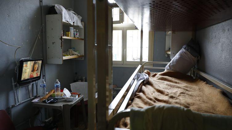 L'Observatoire international des prisons assigne l'Etat devant le tribunal administratif de Melun. (PATRICK KOVARIK / AFP)