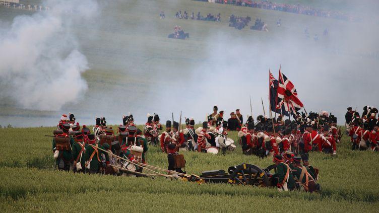 La reconstitution historique de la bataille de Waterloo (Belgique), le 19 juin 2015. (MARCIA BIZZOTTO / AFP)